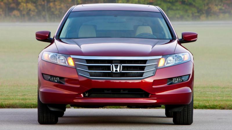 Honda Crosstour вид спереди