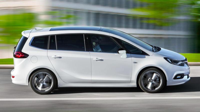 Opel Zafira вид сбоку