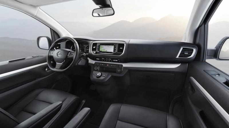 Интерьер Opel Zafira Life
