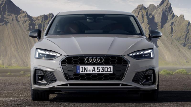 Audi A5 вид спереди