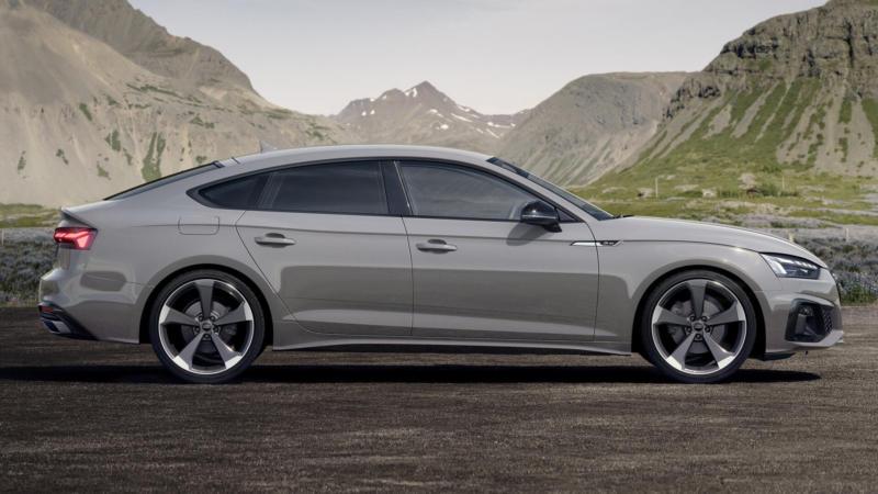 Audi A5 вид сбоку