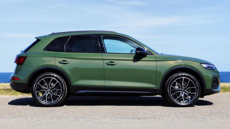 Audi Q5 вид сбоку