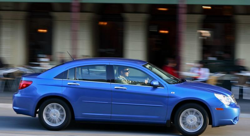 Chrysler Sebring вид сбоку