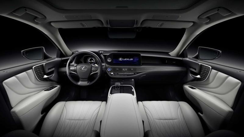 Интерьер Lexus LS