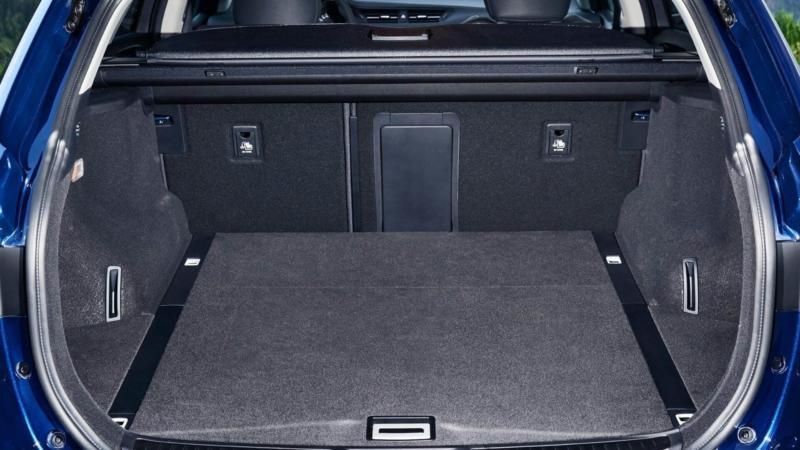 Toyota Avensis багажник