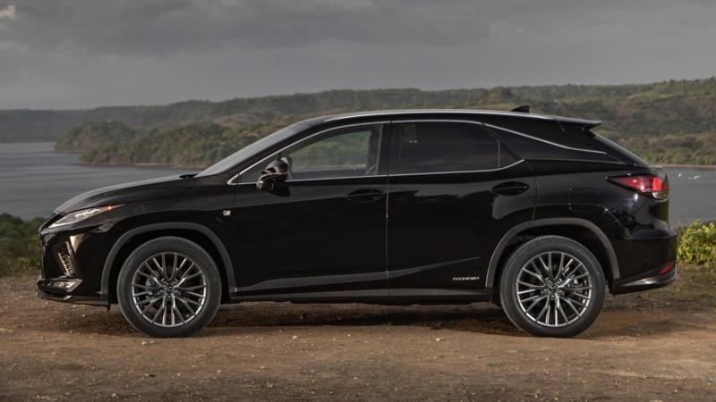 Lexus RX вид сбоку
