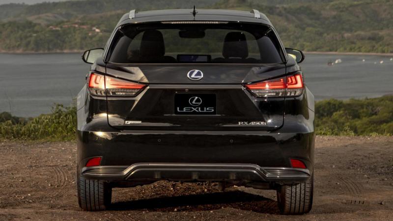 Lexus RX вид сзади