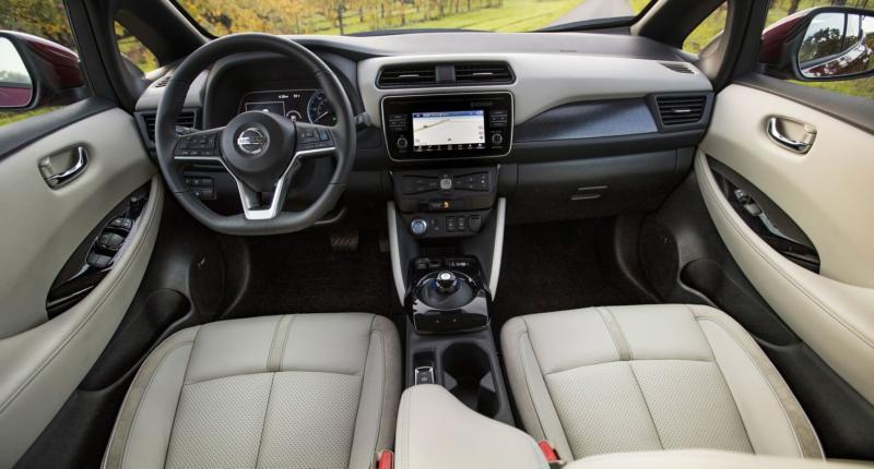 Интерьер Nissan Leaf