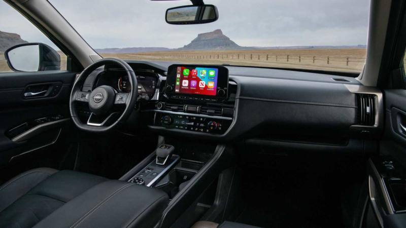Интерьер Nissan Pathfinder