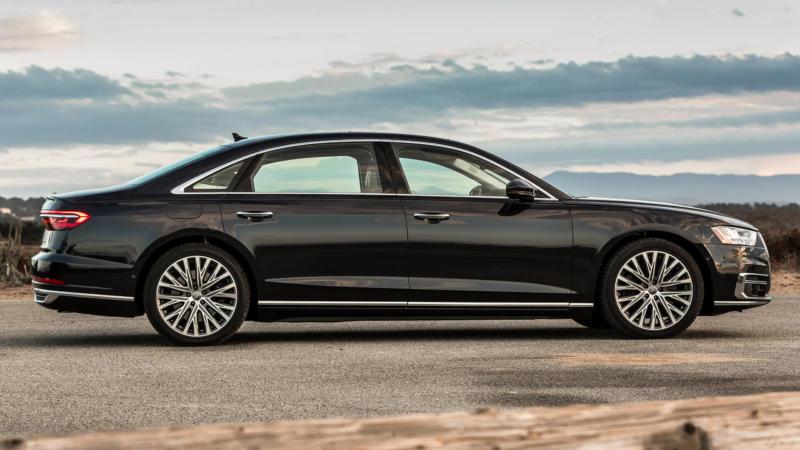 Audi A8 вид сбоку