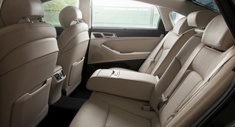 Задний ряд Hyundai Genesis
