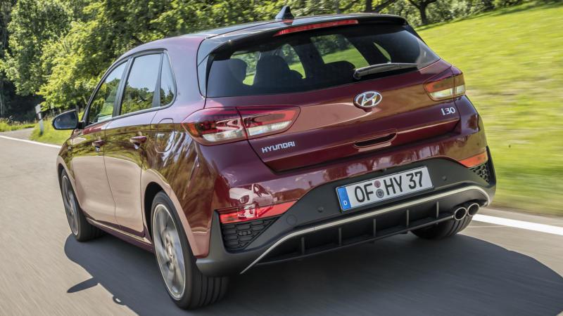 Hyundai i30 вид сзади