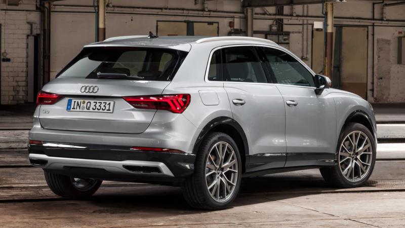 Audi Q3 вид сзади
