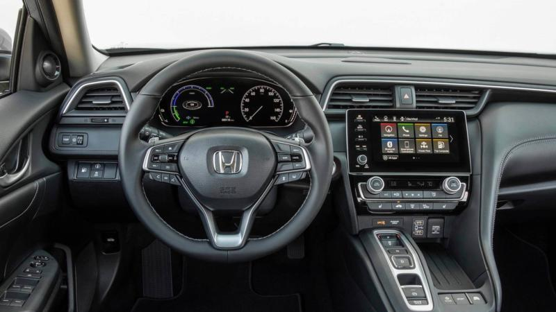 Интерьер Honda Insight