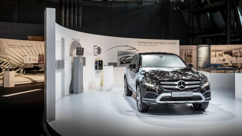 Официальный дилер Mercedes Benz