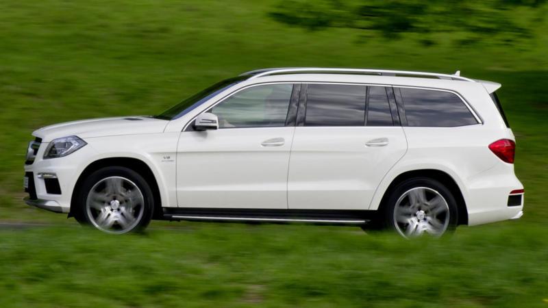 Mercedes-Benz GL вид сбоку