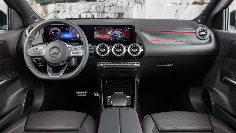 Интерьер Mercedes-Benz GLA