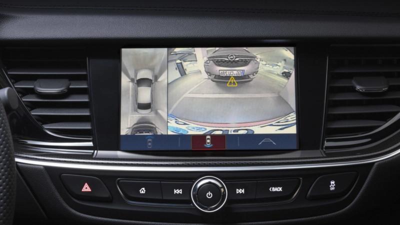 Экран Opel Insignia