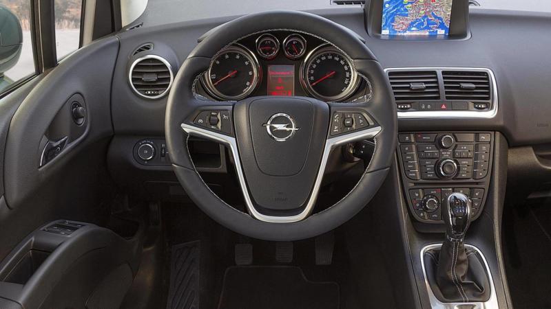 Интерьер Opel Meriva