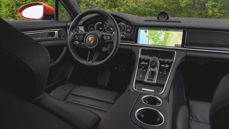 Интерьер Porsche Panamera