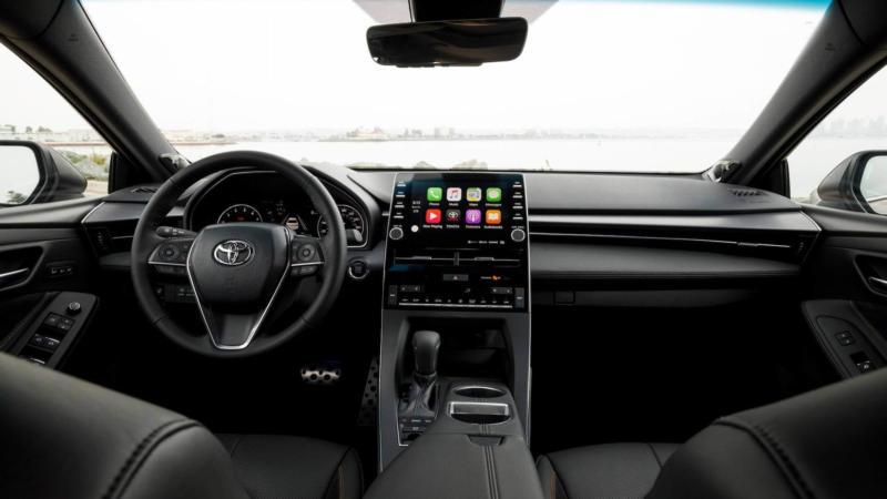 Интерьер Toyota Avalon