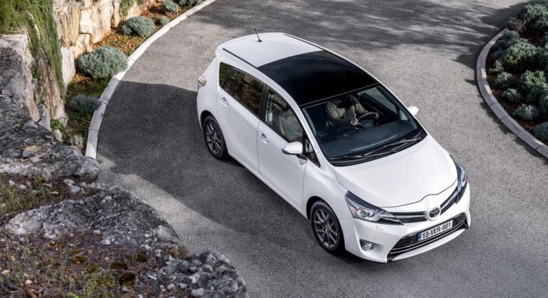 Минивэн Toyota Verso