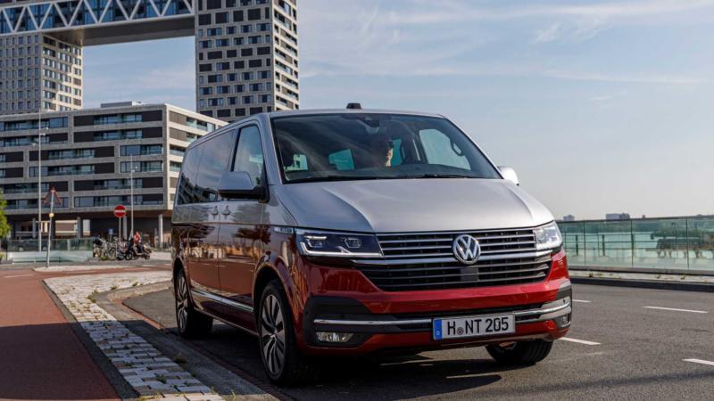 Вид спереди Volkswagen Multivan