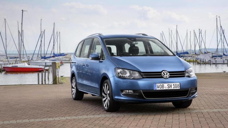 Volkswagen Sharan вид спереди