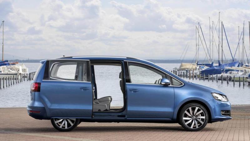Volkswagen Sharan вид сбоку