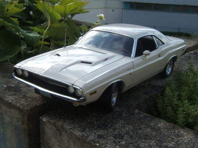 Dodge Challenger R/T 440 фото