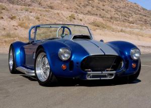 Вид спереди AC Shelby Cobra