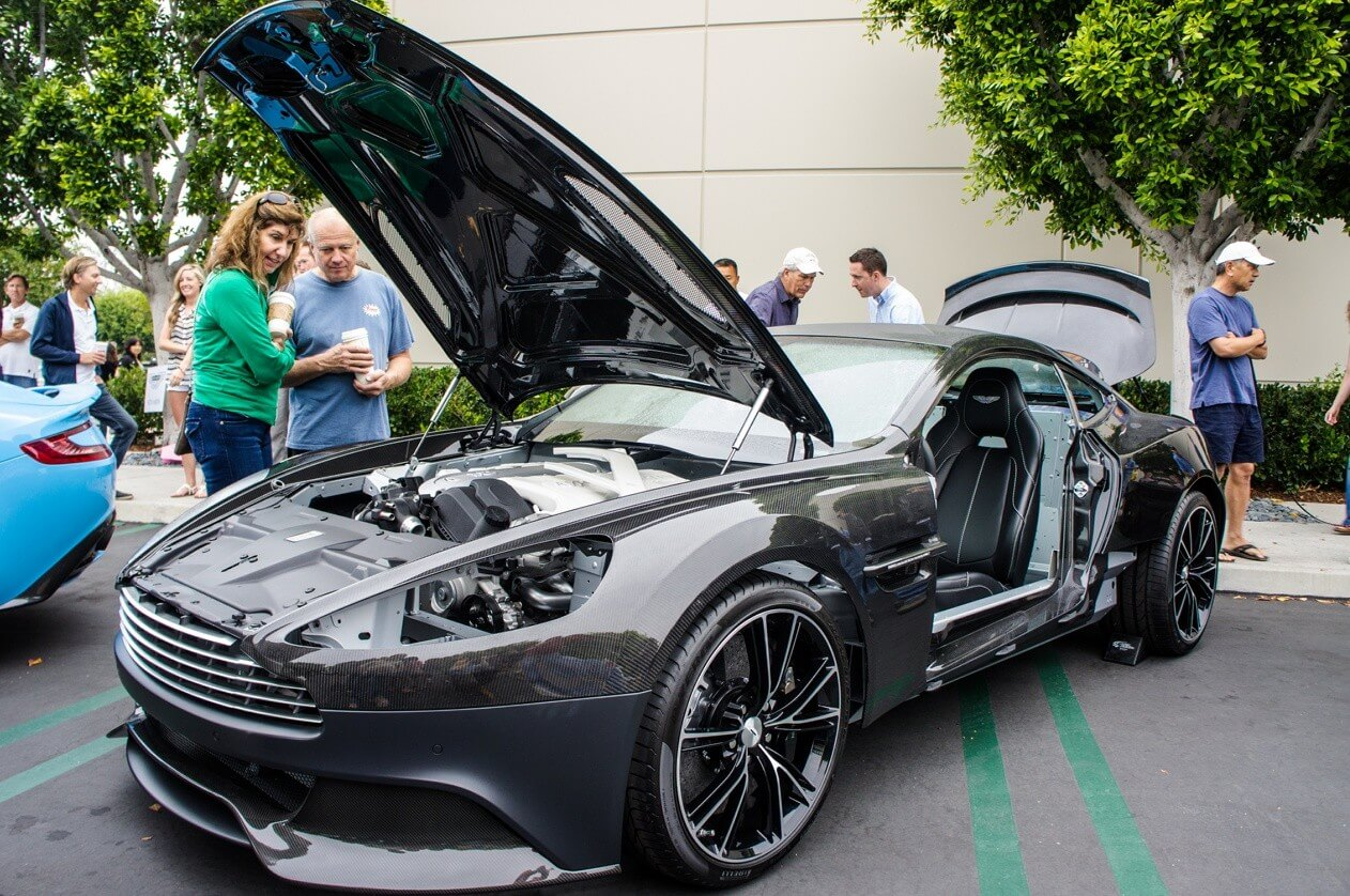 Aston Martin Vanquish photo car