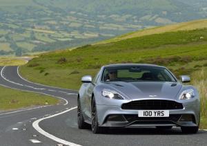 Aston Martin Vanquish вид спереди