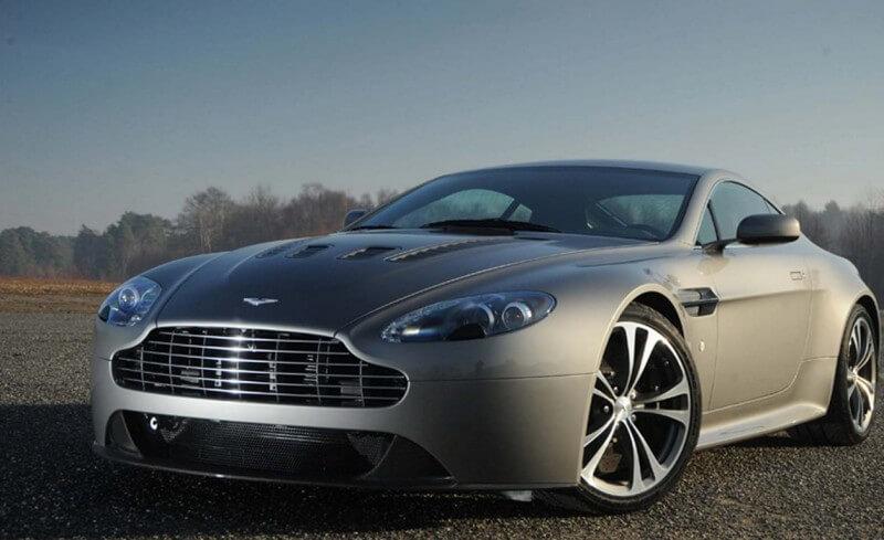 Aston Martin Vanquish спорткар