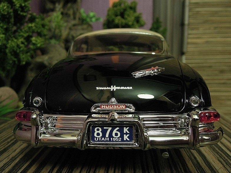 Вид сзади Hudson Hornet