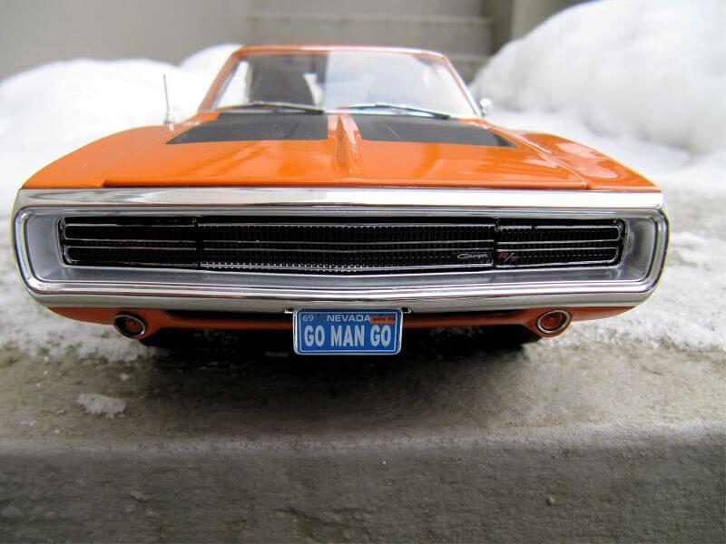Dodge Charger R/T фото закрытые фары