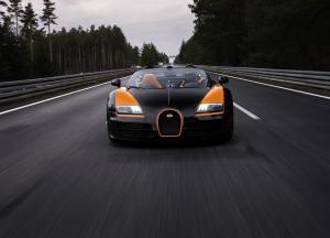 Bugatti Veyron вид спеерди