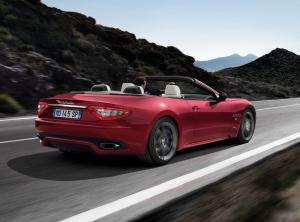 Maserati GranCabrio вид сзади