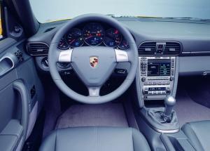 Porsche 911 Carrera Cabriolet салон