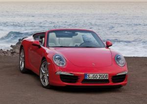 Porsche 911 Carrera Cabriolet красный