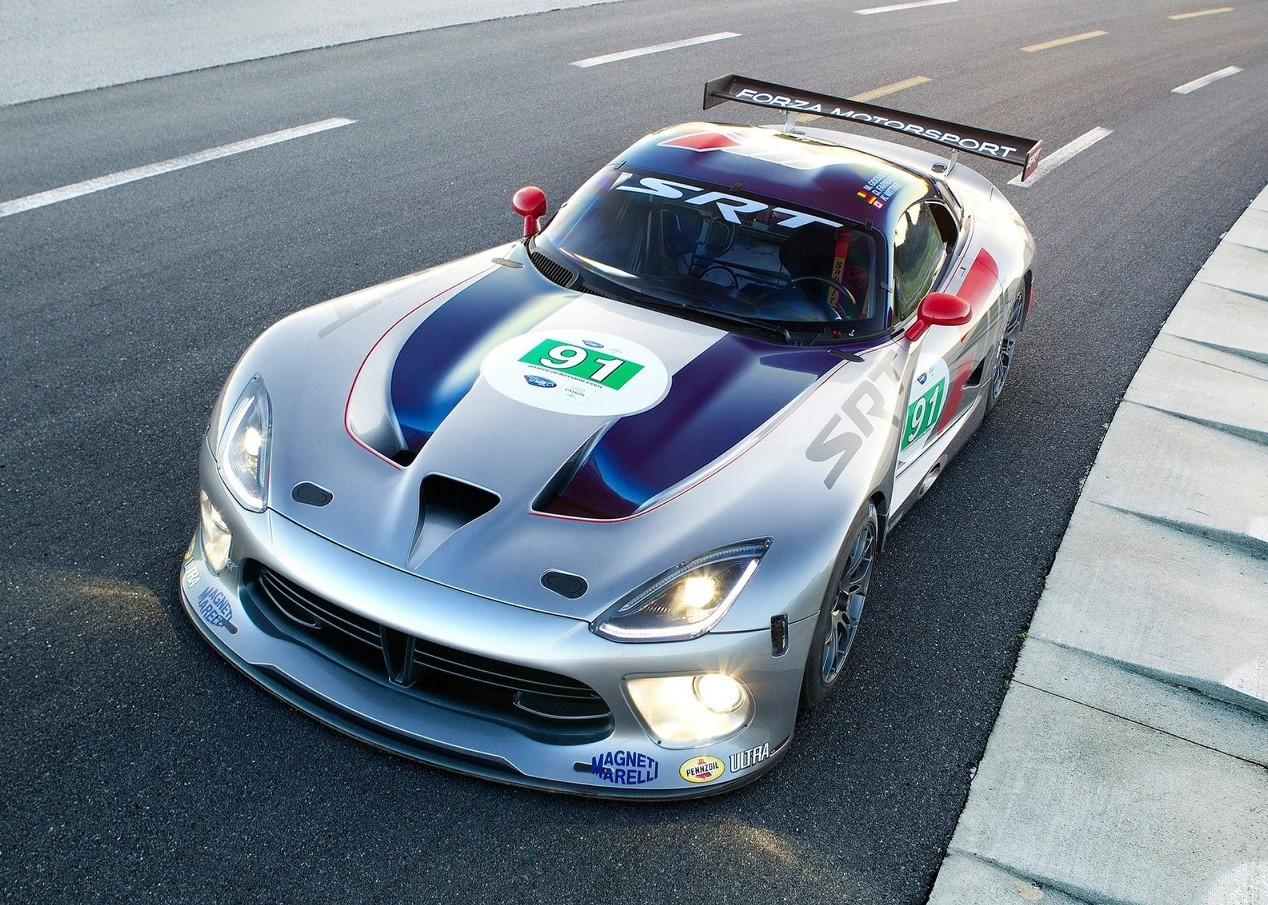 Dodge Viper GTS-R авто