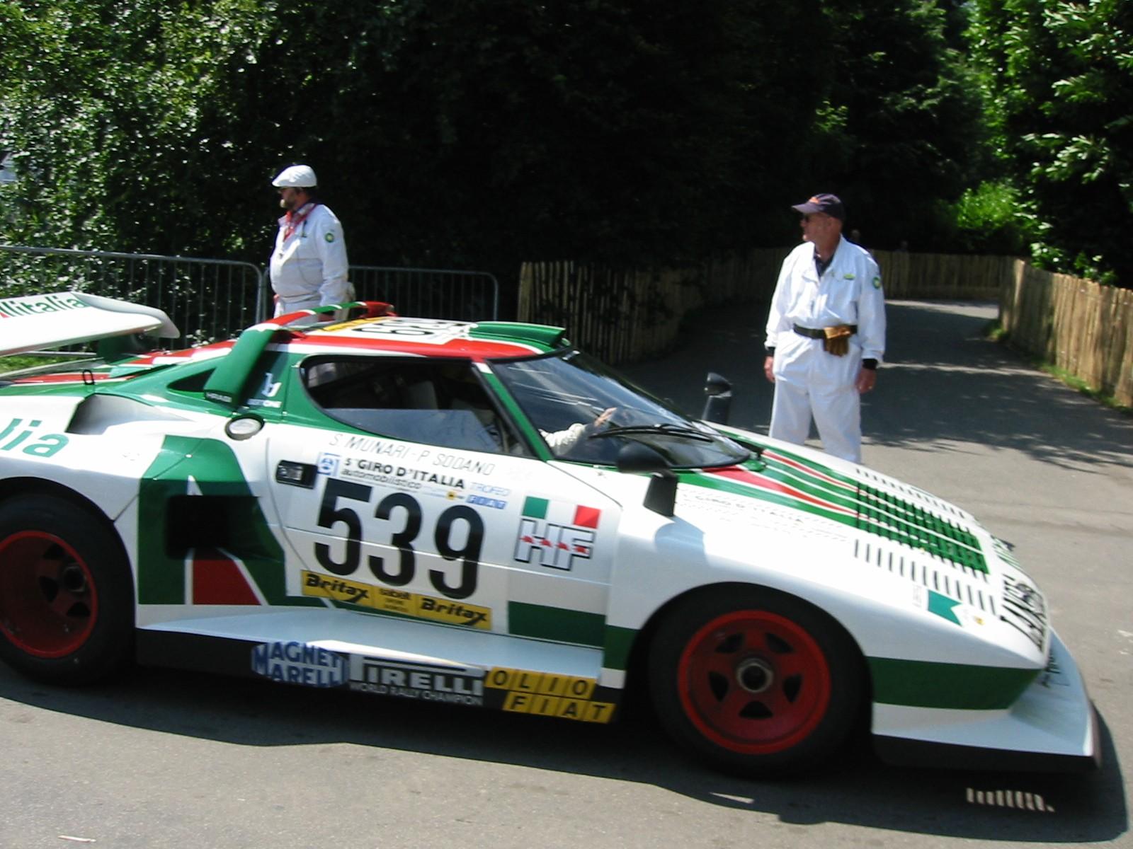 Lancia Stratos авто