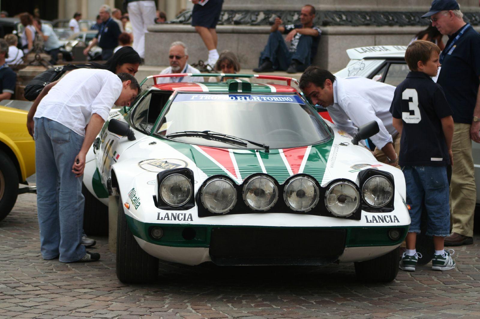 Lancia Stratos вид спереди
