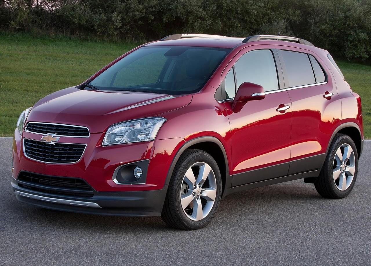 Chevrolet Tracker красный
