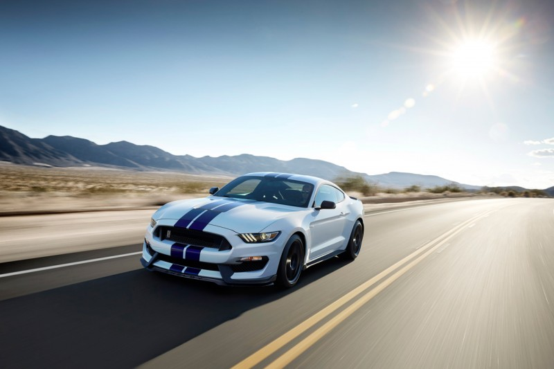 Фотография Ford Mustang Shelby GT 350 2015