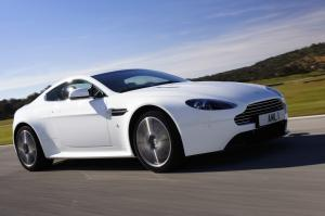 Aston Martin Vantage photo car