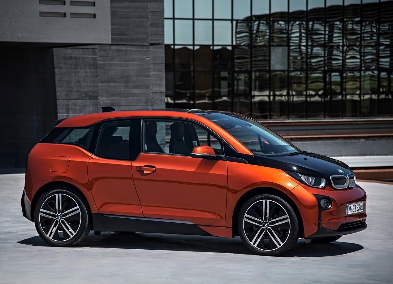 BMW i3 вид с боку