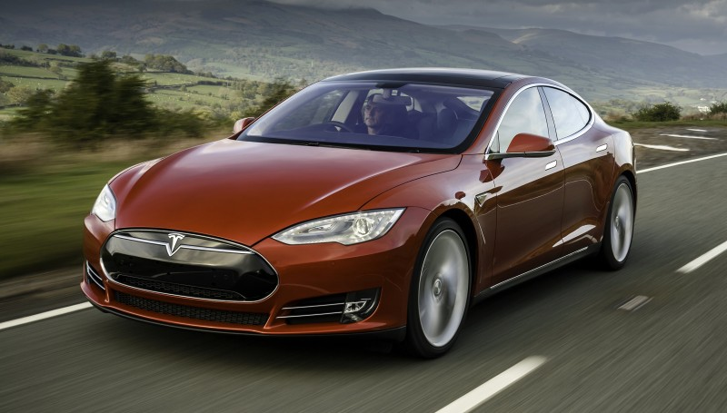 Tesla S red