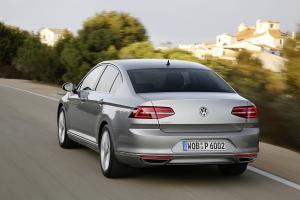 Volkswagen Passat B8 вид сзади