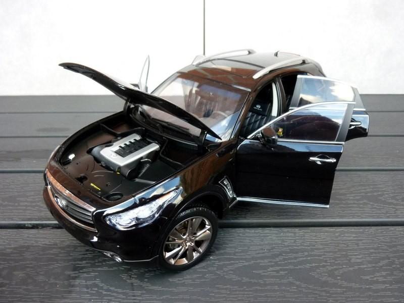 Автомобильная модель Infinity FX 50S